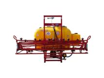 Függesztett szántóföldi permetezőgép 600 l / 12 m